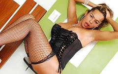 Big, busty and Brazilian tranny Alessandra is a vibrant personality on camera. She knows how to use her good looks to her advantage and creates a confident performance in this top-notch solo show. Don\'t miss her in action.